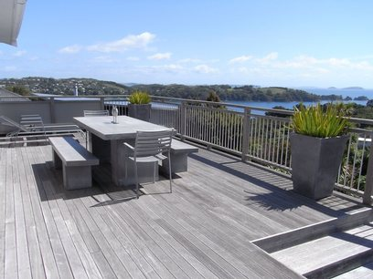 Bayview Retreat: Deck and view holiday house Waiheke Island