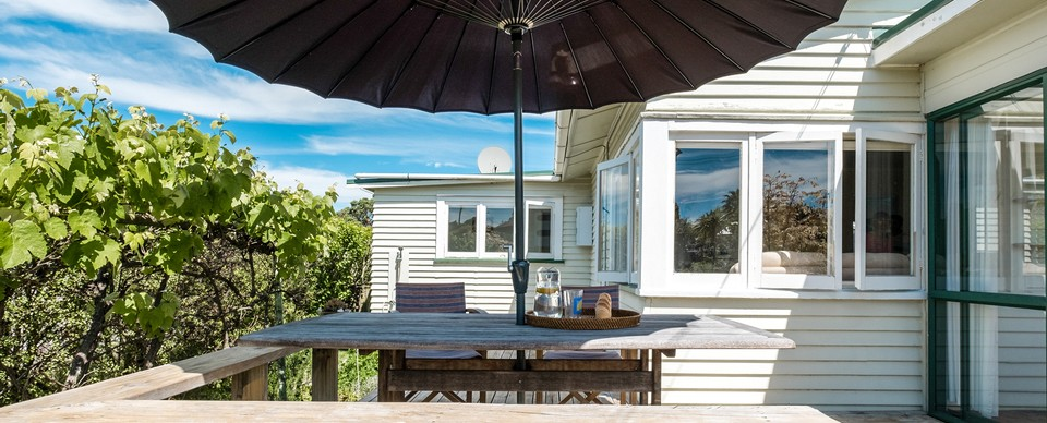 Windchime on Rata: Visit Waiheke Holiday Houses