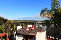 Tui Cottage, Palm Beach, Waiheke island